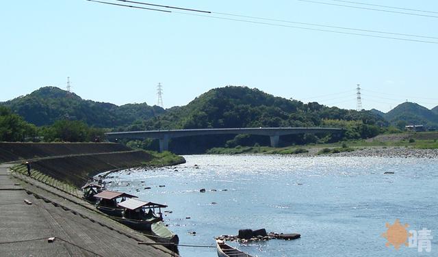 鮎ノ瀬大橋