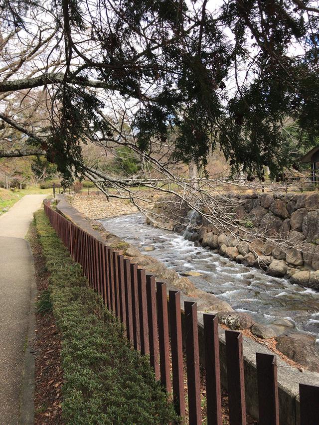 韮山反射炉の川